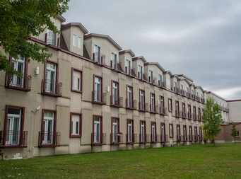 2 bedroom Independent living retirement homes for rent in McMasterville at Residences Richeloises - Photo 07 - RentersPages – L19508