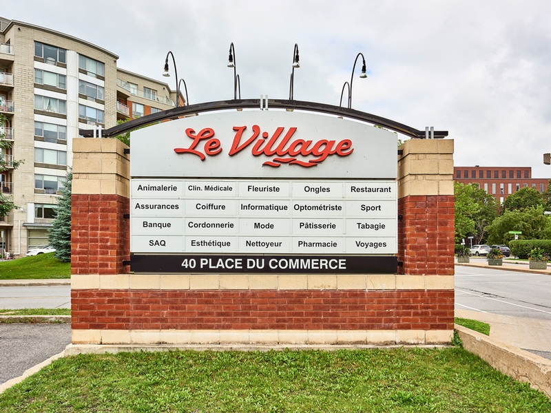 Shopping center for rent in Nuns' Island at Le-Village-Shopping-Centre - Photo 11 - RentersPages – L181766