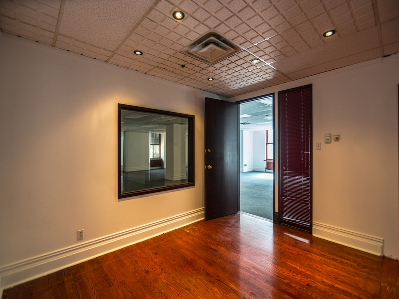 General office for rent in Montreal (Downtown) at The-Aldred-Building - Photo 02 - RentersPages – L181036