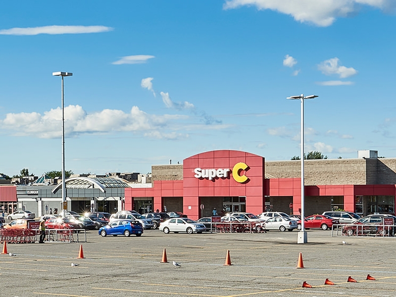 Shopping center for rent in Longueuil at Place-Desormeaux - Photo 02 - RentersPages – L182807