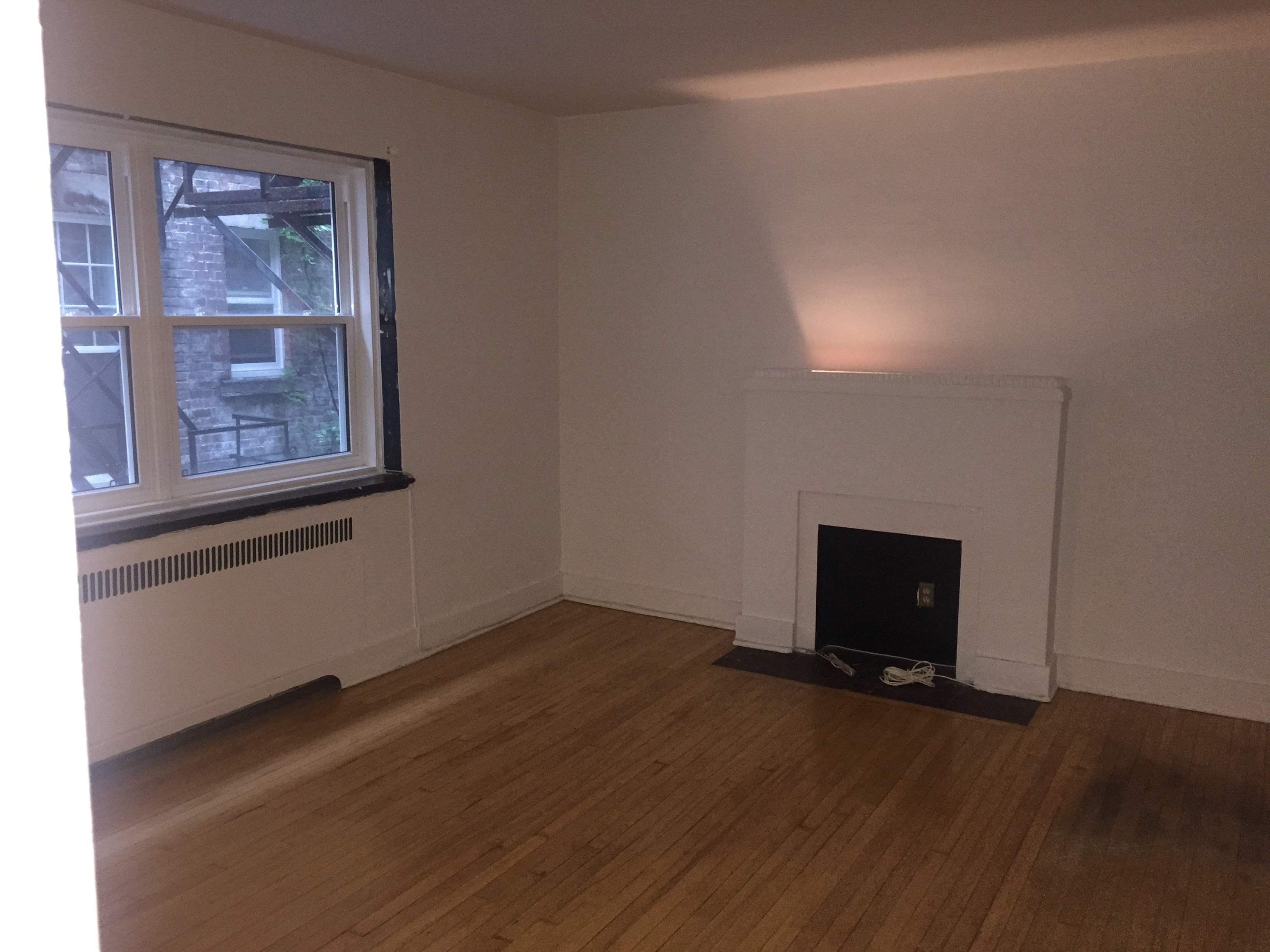 Studio / Bachelor Apartments for rent in Montreal (Downtown) at 2070 Chomedey - Photo 01 - RentersPages – L112096