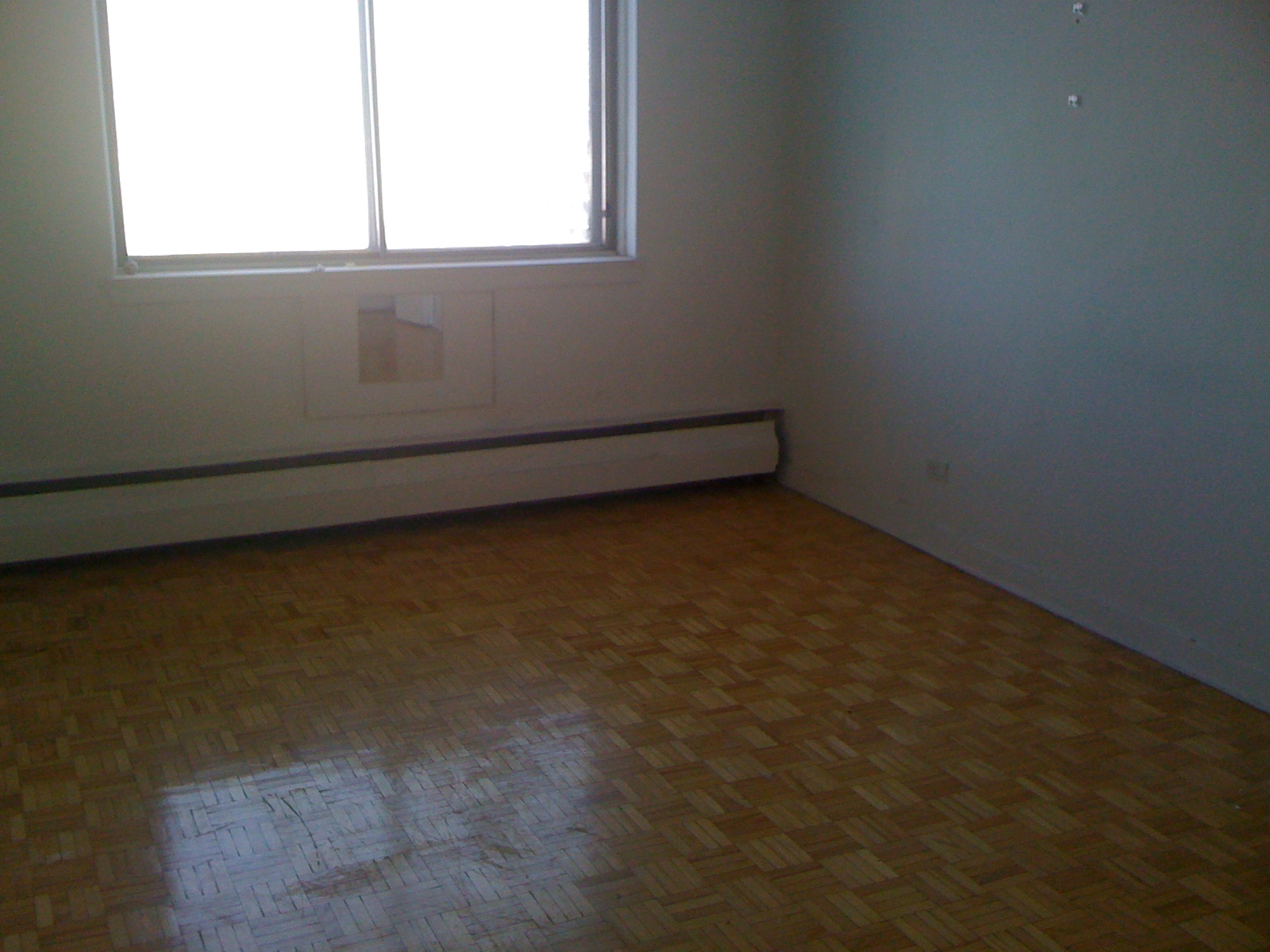 2 bedroom Apartments for rent in Cote-des-Neiges at 4723-25-27-29 Fulton - Photo 04 - RentersPages – L23405