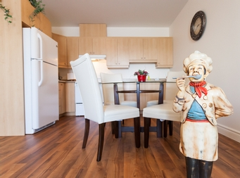 furnished 2 bedroom Independent living retirement homes for rent in Marieville at Les Jardins du Couvent - Photo 10 - RentersPages – L19501