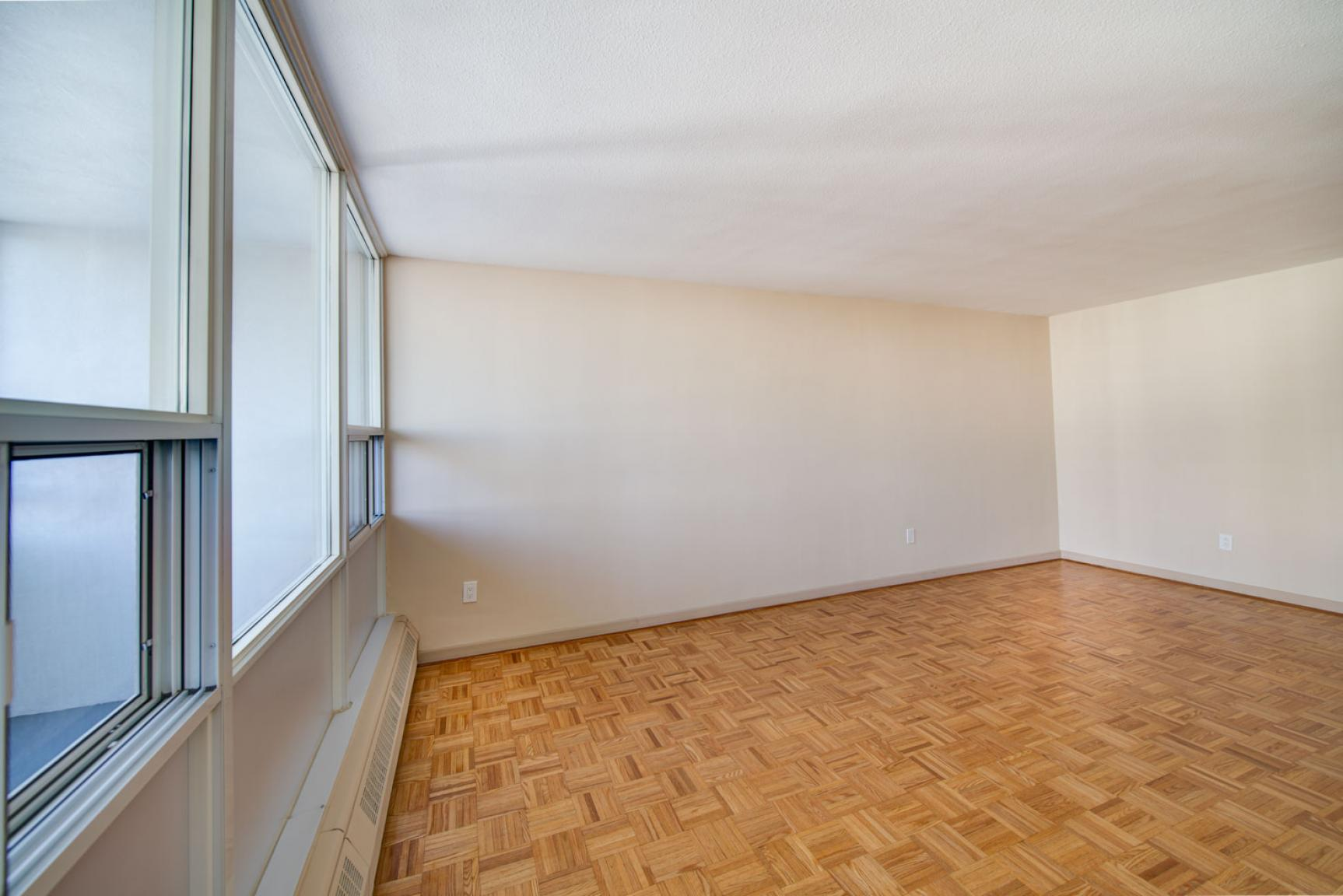 Studio / Bachelor Apartments for rent in Toronto at Dunfield Tower - Photo 10 - RentersPages – L138878