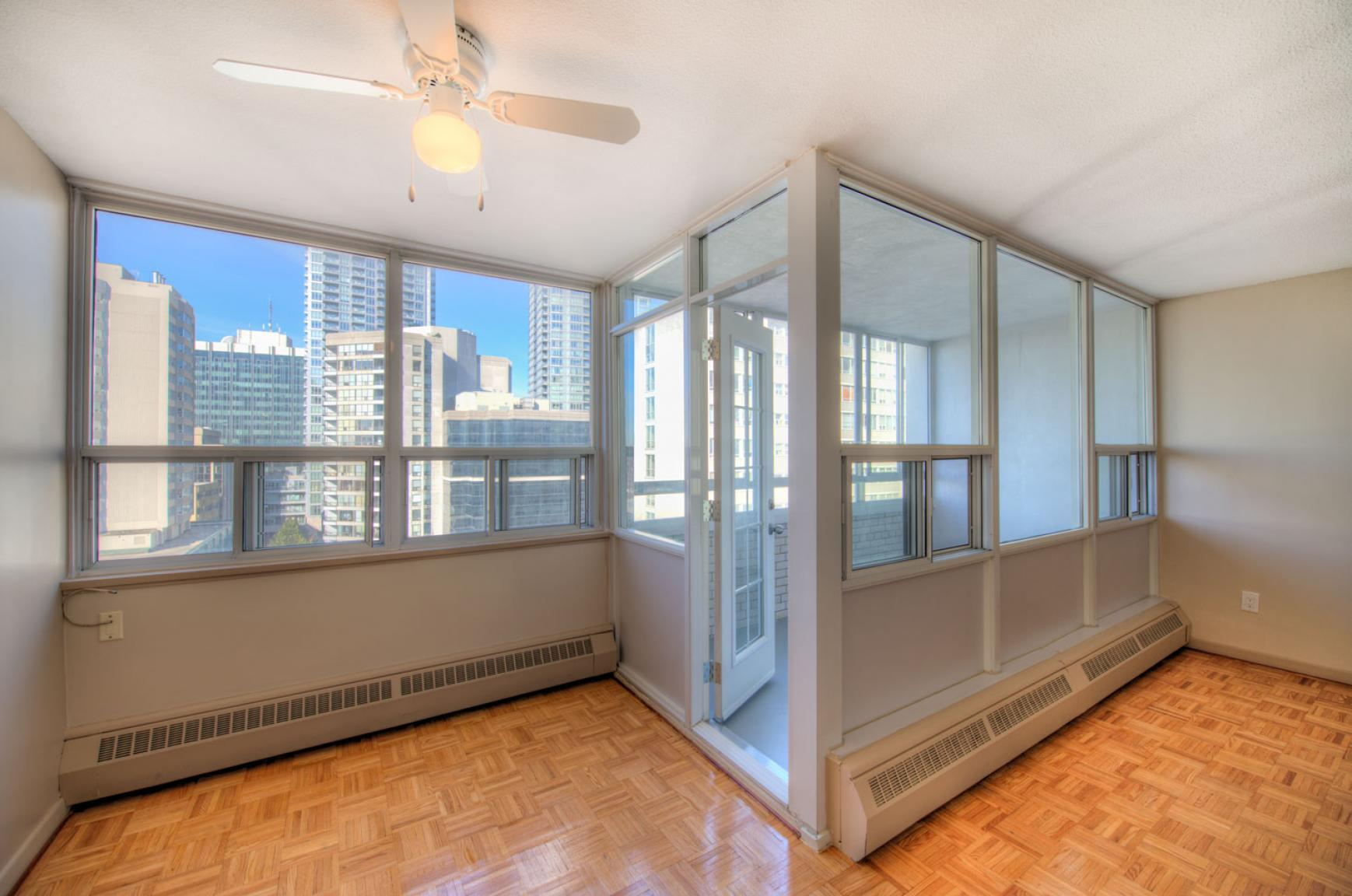 Studio / Bachelor Apartments for rent in Toronto at Dunfield Tower - Photo 16 - RentersPages – L138878