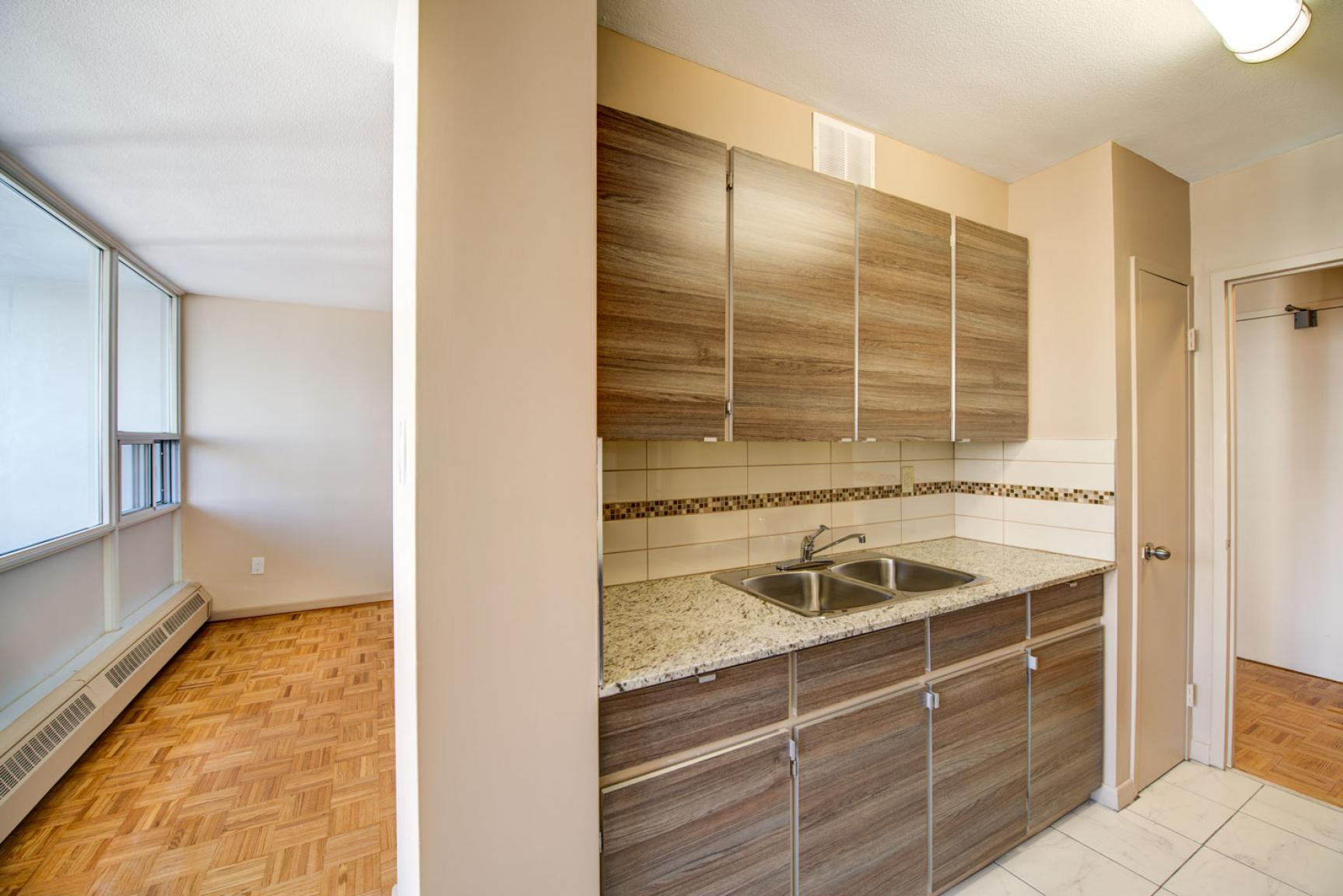 Studio / Bachelor Apartments for rent in Toronto at Dunfield Tower - Photo 14 - RentersPages – L138878