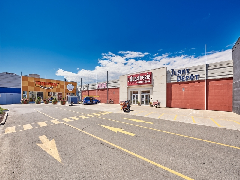 Shopping center for rent in Trois-Rivieres at Carrefour-Trois-Rivieres-Ouest - Photo 01 - RentersPages – L179962