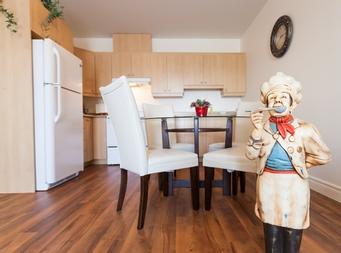 furnished 1 bedroom Independent living retirement homes for rent in Marieville at Les Jardins du Couvent - Photo 02 - RentersPages – L19500