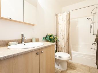 furnished 1 bedroom Independent living retirement homes for rent in Marieville at Les Jardins du Couvent - Photo 07 - RentersPages – L19500
