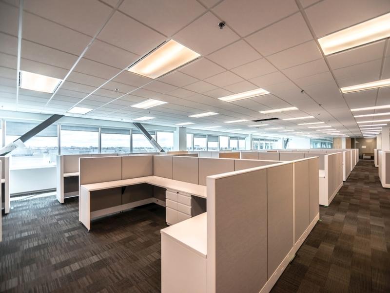 General office for rent in Ville St-Laurent - Bois-Franc at Hypertec-Center - Photo 03 - RentersPages – L181002