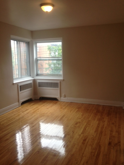 2 bedroom Apartments for rent in Cote-St-Luc at 5801-5805 CSL Road - Photo 01 - RentersPages – L23404