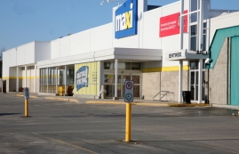 Shopping center for rent in La Sarre at Carrefour-La-Sarre - Photo 01 - RentersPages – L181059