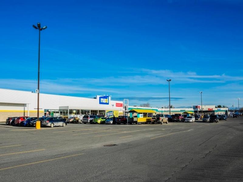 Shopping center for rent in La Sarre at Carrefour-La-Sarre - Photo 03 - RentersPages – L181059