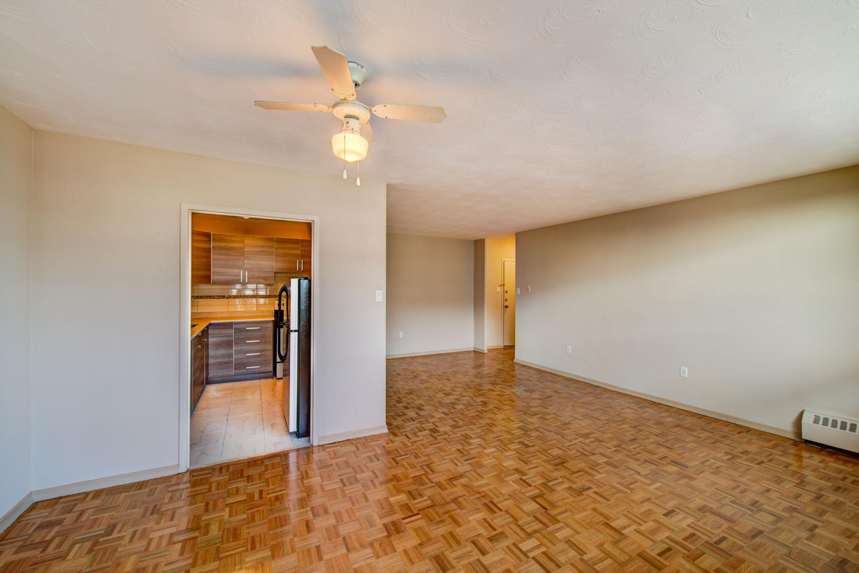 1 bedroom Apartments for rent in Mississauga at Bristol Arms Apartments - Photo 09 - RentersPages – L138729