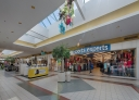 Shopping center for rent in Victoriaville at Grande-Place-Des-Bois-Francs - Photo 01 - RentersPages – L180999