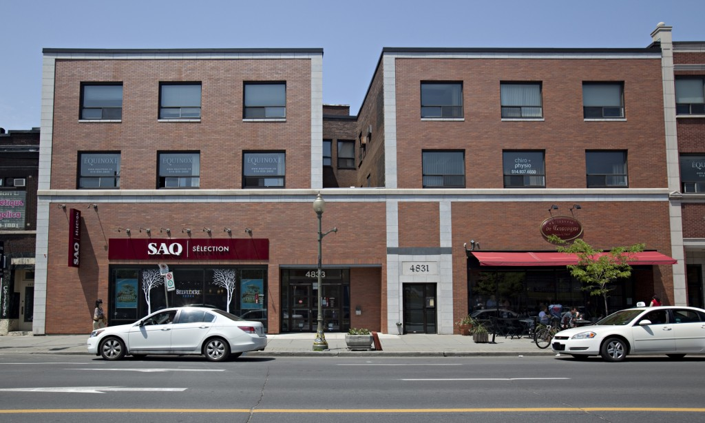 General office for rent in Westmount at 4817-4823 Sherbrooke West - Photo 01 - RentersPages – L12806