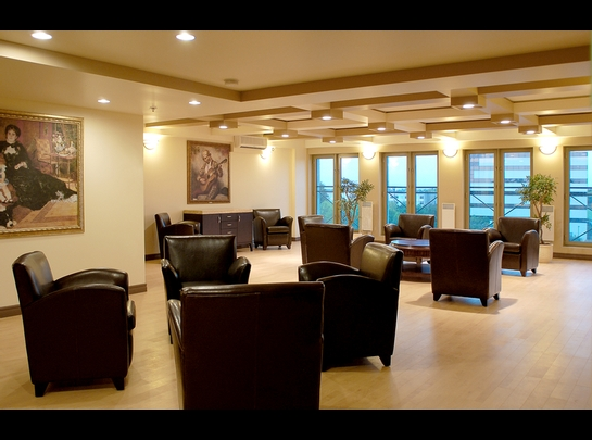 Studio / Bachelor Independent living retirement homes for rent in Laval at Les Jardins de Renoir - Photo 09 - RentersPages – L19475