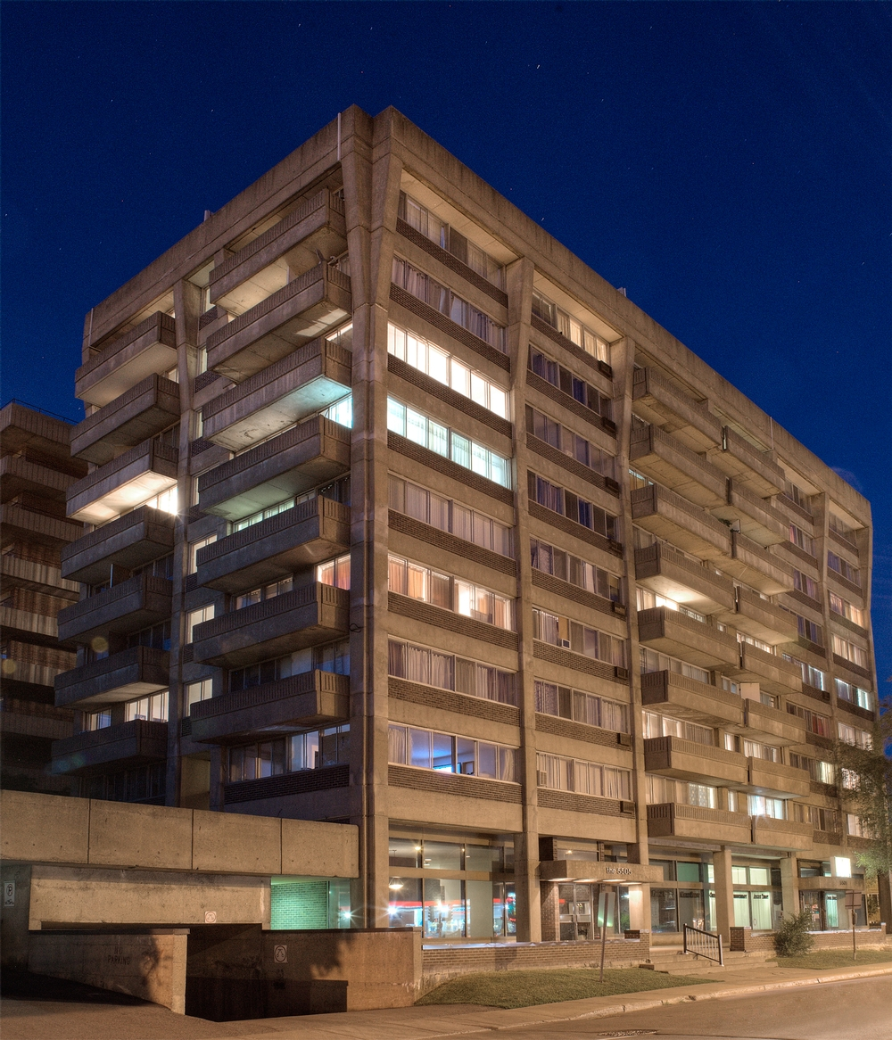 2 bedroom Apartments for rent in Cote-St-Luc at 5505 Cavendish - Photo 04 - RentersPages – L9518