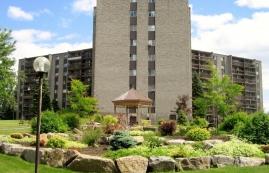 1 bedroom Apartments for rent in Laval at Les Habitations du Souvenir - Photo 01 - RentersPages – L4967
