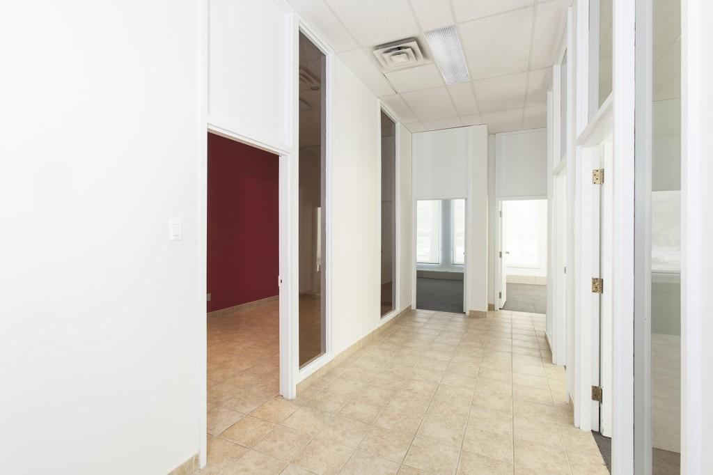 General office for rent in Ville St-Laurent - Bois-Franc at 750 Marcel Laurin - Photo 06 - RentersPages – L12791