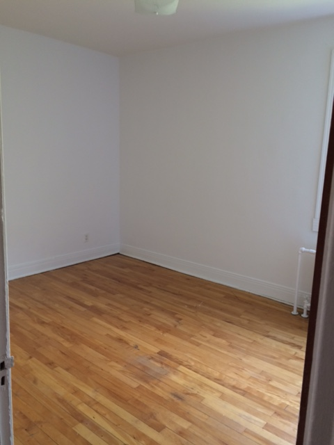 2 bedroom Apartments for rent in Cote-des-Neiges at 5690 Gatineau and 3510 Cote-Ste-Catherine - Photo 02 - RentersPages – L9638
