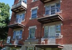 1 bedroom Apartments for rent in Cote des Neiges at 5690 Gatineau and 3510 Cote-Ste-Catherine - Photo 01 - RentersPages – L9638